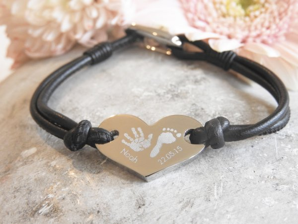 Engraved heart leather bracelet